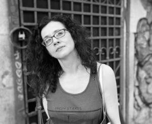 portret Cristina Cluj alb-negru
